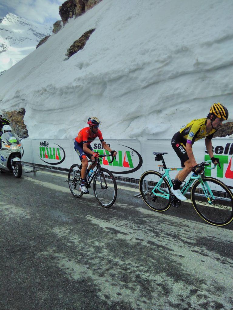 Nibali e Roglic, ultimo chilometro della 19esima tappa del Giro d'Italia 2019, Pinerolo-Lago Serrù