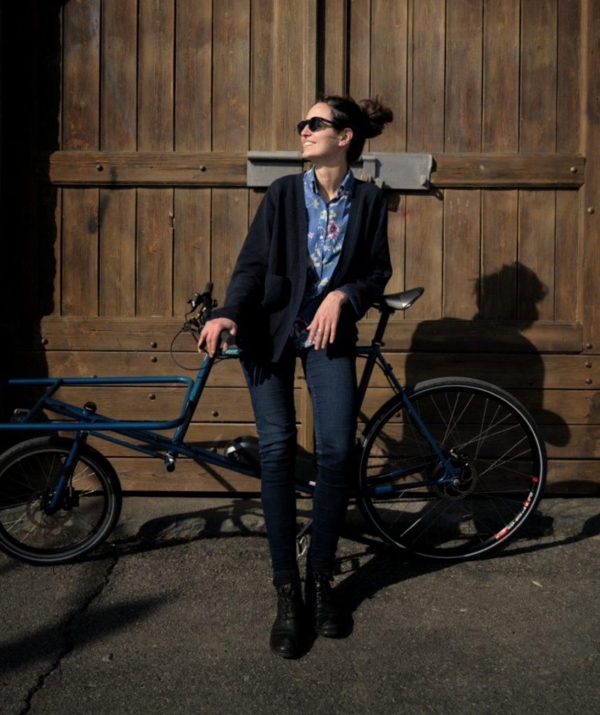 valentina marsaglia e la sua cargo e-bike